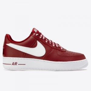 Nike Air Force 1 07 LV8 Trainers – Red