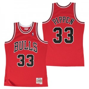 """Chicago Bulls Scottie Pippen Hardwood Classics Road Swingman Jersey – """