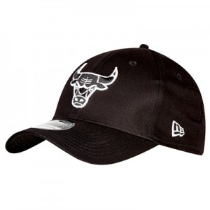 """Chicago Bulls Monochrome Team Logo New Era 39THIRTY Stretch Fit Cap"""