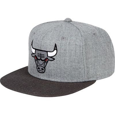 """Chicago Bulls Hardwood Classics Embroidered Logo Snapback Cap"""