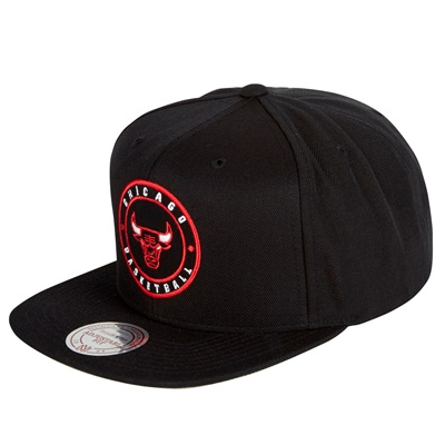 """Chicago Bulls Hardwood Classics Circle Patch Snapback Cap"""