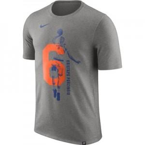 """New York Knicks Nike Kristaps Porzingis Photo Print Player T-Shirt – M"""
