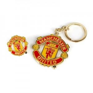 Manchester United Crest Keyring & Badge Set